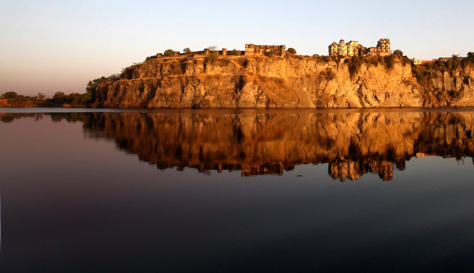 Picture of the Bhainsrorgarh taken on a luxury holiday to India with Greaves India